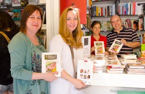 Esther, María José, Liliana y Paco en A Punto Librería Gastronómica