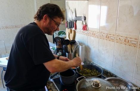 Rodrigo Montero rehogando las berzas