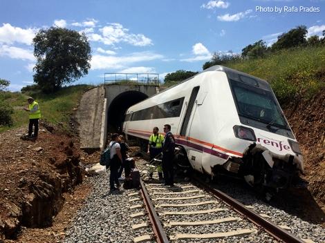 Tren 17907 descarrilado